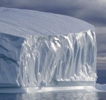 PA-1005-Groenland-Qeqertat, gros iceberg